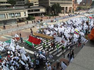 More than one million people march demanding peace. (José De Piérola/Borderzine.com)