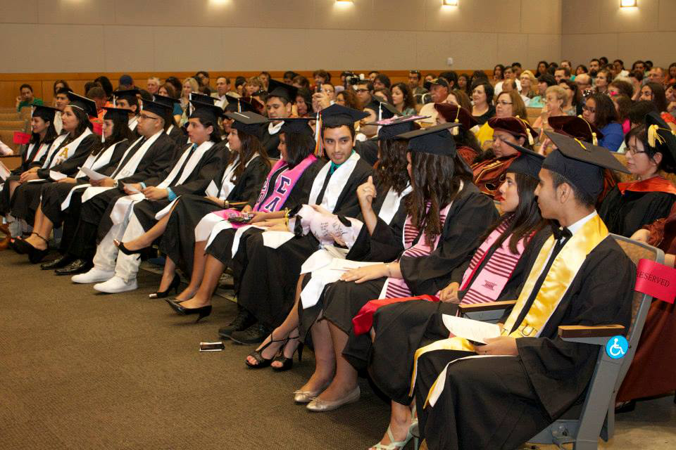 Students at the Center for Mexican Studies Graduation at UT Austin. (Alberto González/Hispanic Link)