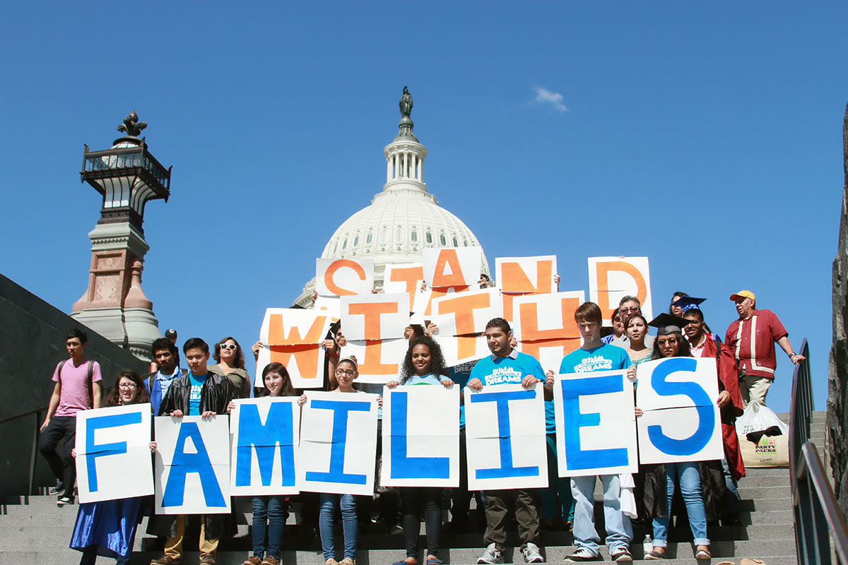"""Stand with families"" was the clamor of students members of United We Dream. (Luis Hernandez/Borderzine.com)"