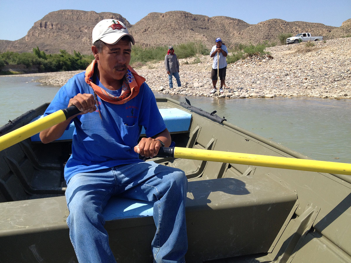 Row boat to cross the Rio Grande River between Big Bend National Park and Boquillas del Carmen, Chihuahua. (Sergio Chapa/Borderzine.com)