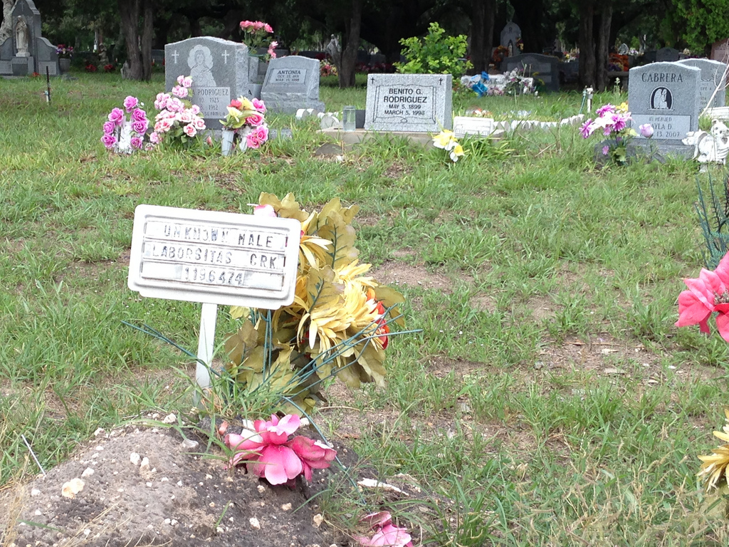 The unidentified remains of migrants are buried in a Brooks County cemetery in south Texas. (Mónica Ortiz Uribe/Fronteras)