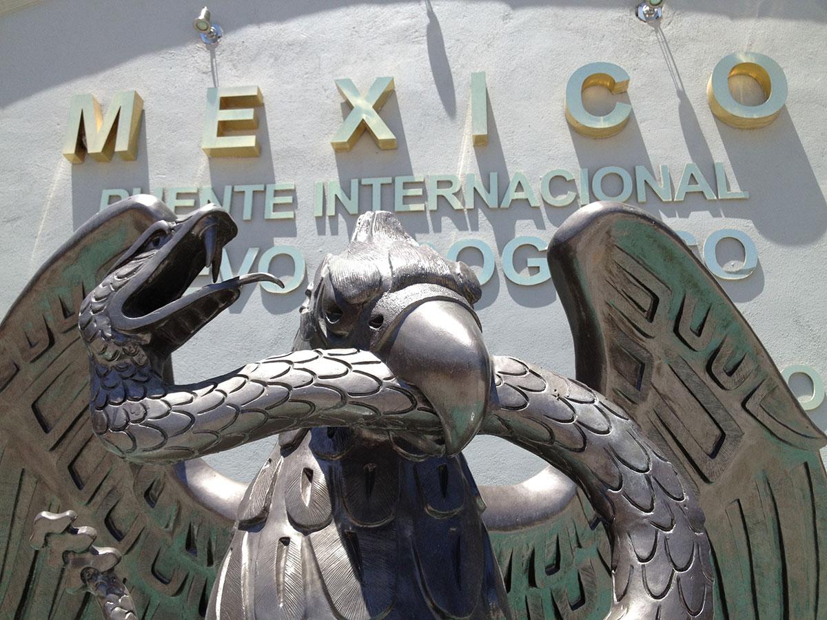 Bienvenidos a Mexico en Nuevo Progreso, Tamaulipas. (Sergio Chapa/Borderzine.com)