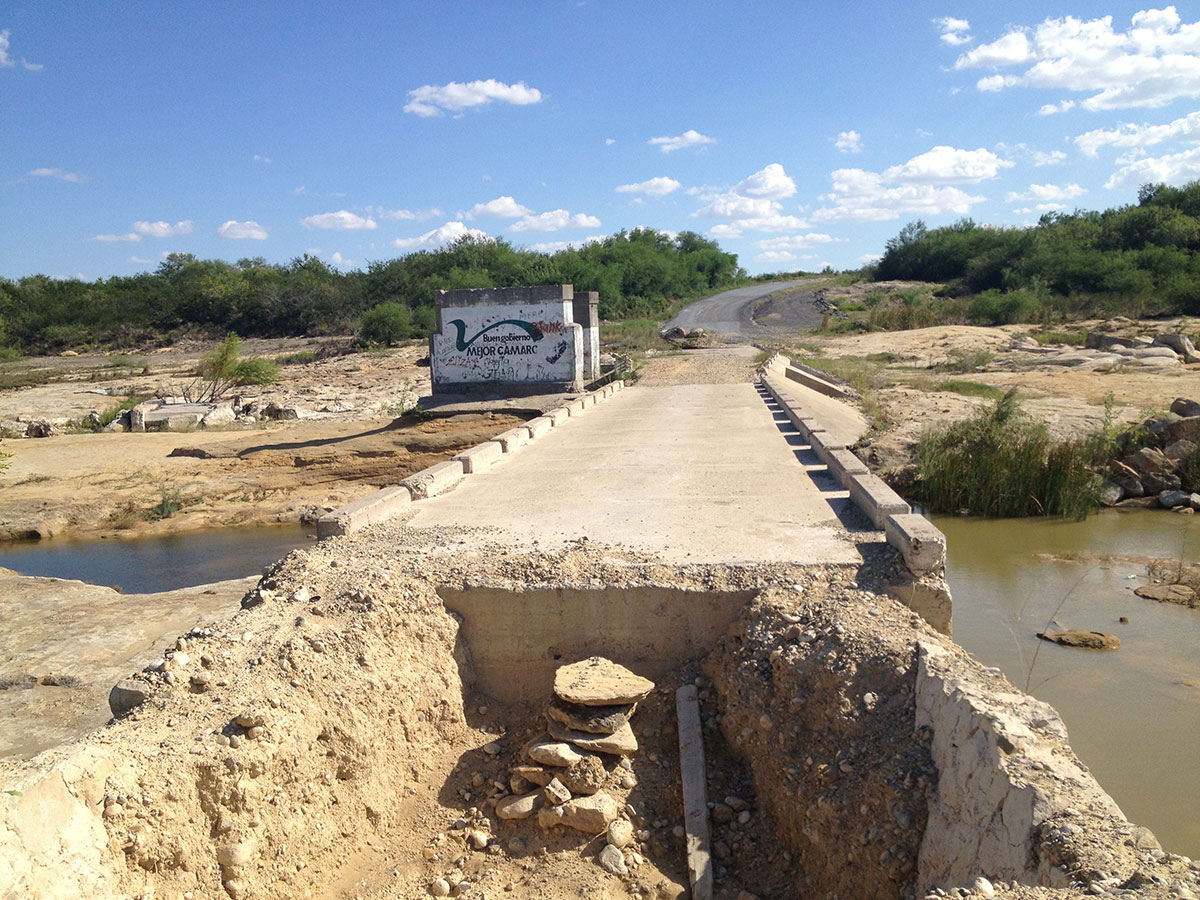 This rural bridge linking Camargo and Comales was never rebuilt after Hurricane Alex due to drug cartel threats. (Sergio Chapa/Borderzine.com)