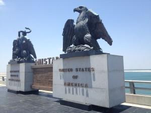 Amistad Dam also serves as an international border crossing. (Sergio Chapa/Borderzine.com)