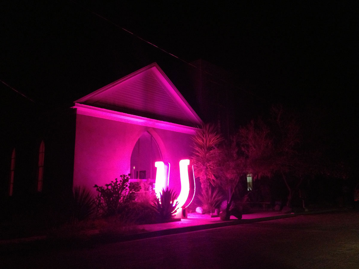 A neon sculputre outside a home in Marfa. (Sergio Chapa/Borderzine.com)