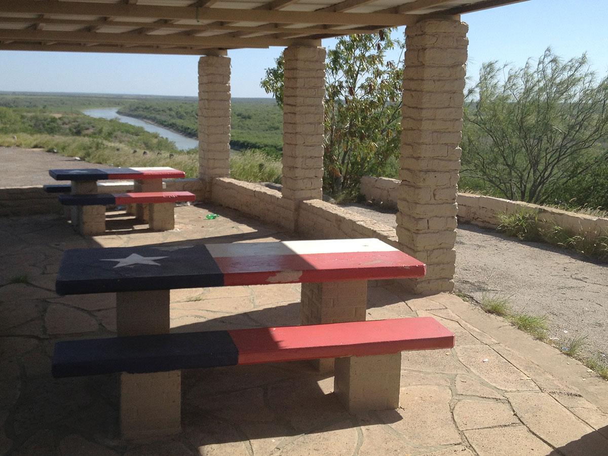 A picnic area overlooking the Rio Grande River in northern Zapata County, Texas. (Sergio Chapa/Borderzine.com)