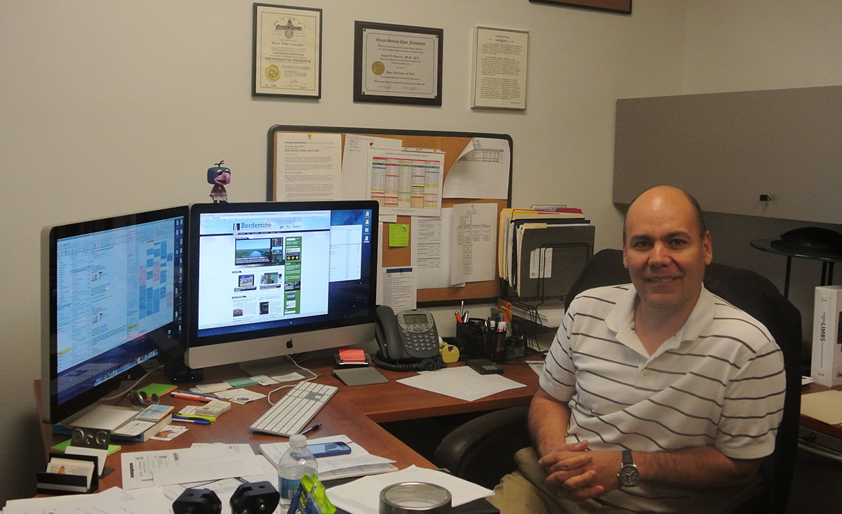 Engineering Professor Roger V. Gonzalez graduated from UTEP. (Velia Quiroz/Borderzine.com)