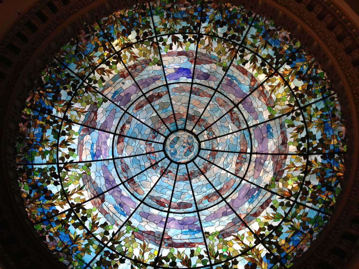 Glass dome inside the Paseo del Norte Hotel. (Sergio Chapa/Borderzine.com)