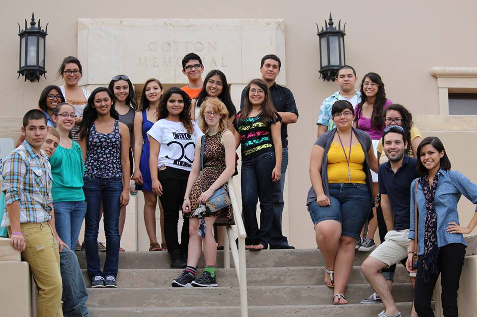High school students from El Paso, Las Cruces and Ciudad Juarez participated on the 2013 Journalism in July summer camp. (©Borderzine.com)