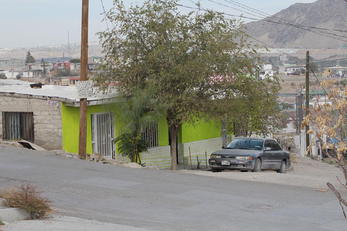 El templo regentado por los esposos Delgado, está ubicado en la colonia Francisco Villa, una zona marginal de Ciuda Juárez. (César Iván Graciano/Borderzine.com)