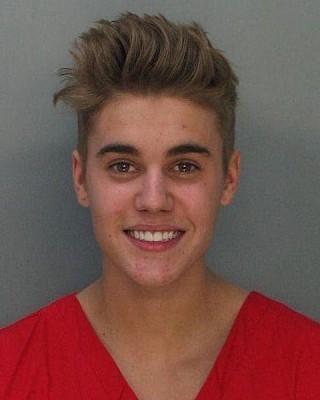 Justin_Bieber_mugshot,_front.jpg