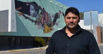 Arturo Damasco, artista visual y muralista. Foto por Daniela Moriel, Borderzine.com
