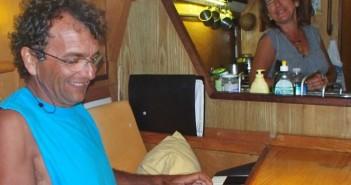 Titou Bourdin at the piano on his sailboat