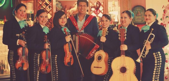 Las Caponeras dan tono feminil a música mariachi