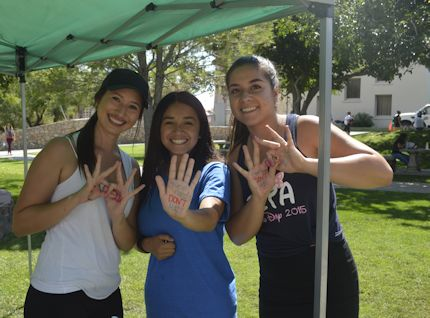 Members of Zeta Tau Alpha sorority at UTEP's Hazing Prevention Week event. Photo by Kennedy Barnes, Borderzine.com