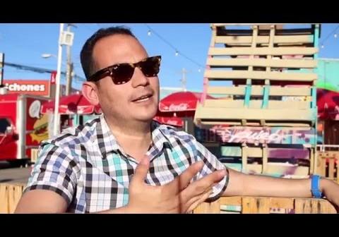 Borderland Facebook foodies having fun rating restaurants with Juarez celebrity scale