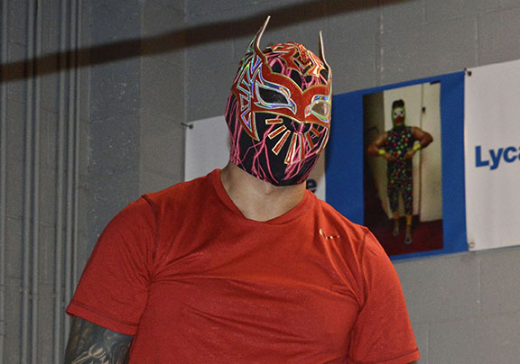 Wrestling takes Sin Cara from El Paso's Segundo Barrio to WWE stardom