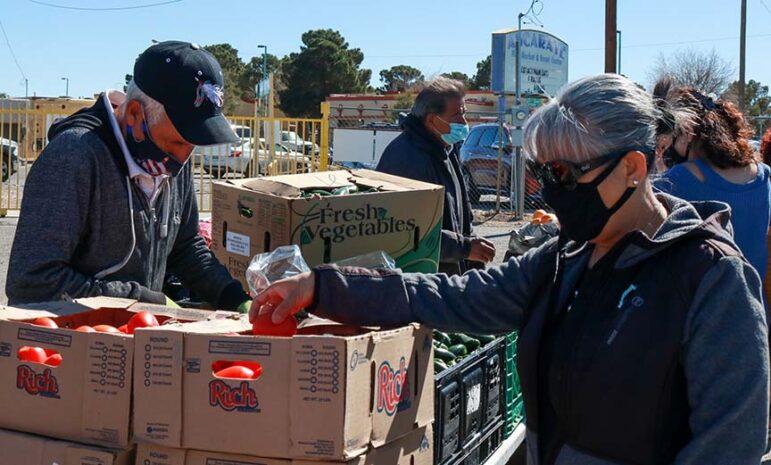 Venta de frutas y verduras en Ascarate Market
